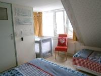 a6-tweepersoons-bed+eenpersoons-bed-en-kinderbedje